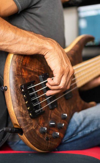 bass guitar lessons calgary